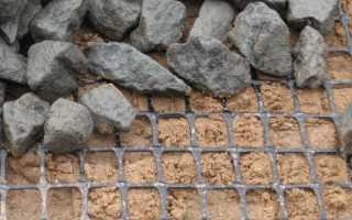 Геосетка для укрепления склонов и откосов: виды и технология монтажа
