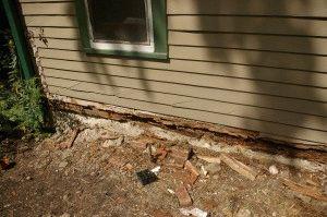 Необходи ремонт фундаменту деревянного дома