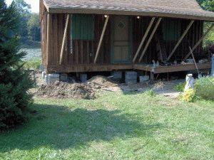 Деревянный дом на столбчатом фундаменте