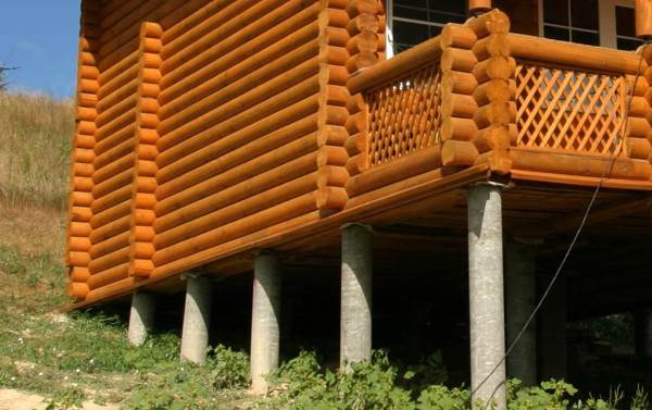 Дачный домик на буронабивных сваях