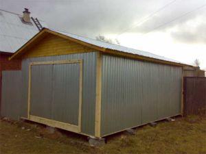 Металлический гараж на столбчатом основании