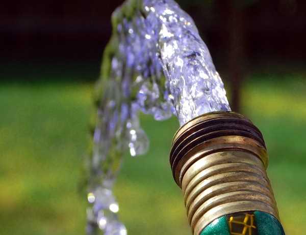 Вода из шланга