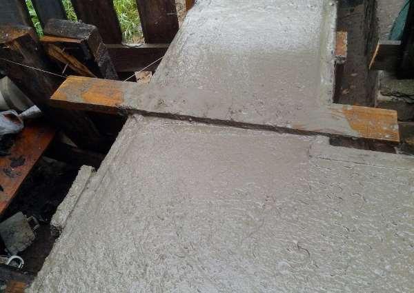Заливка ростверка бетоном
